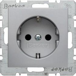 Розетка Berker, скрытый монтаж, с заземлением, со шторками, алюминий матовый, 47231404