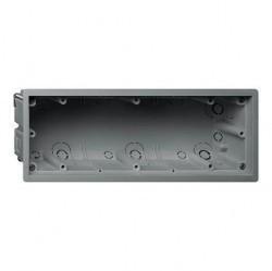 E22 Монтажная коробка 3-ная для установки заподлицо