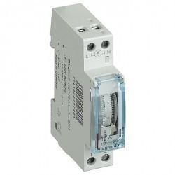 Суточный таймер - аналоговый - вертикальная шкала - 230 В~ - 1 Н.О. - 16 А - 250 В~ - запас хода 100