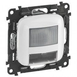 Световой указатель с датчиком движения Legrand VALENA ALLURE, 180°,Вт, белый, 752178