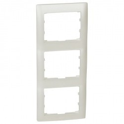 Рамка 3 поста Legrand GALEA LIFE, вертикальная, жемчужно-белый, 771507