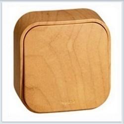 Выключатель 1-клавишный Legrand QUTEO, открытый монтаж, светло-коричневый, 782260