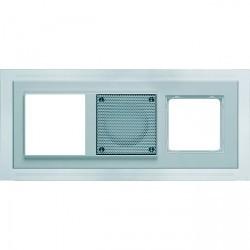 D 20.673.022 W MP3 Рамка тройная белая Nova с белой подсветкой
