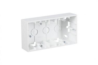 Simon15 Коробка для наружного монтажа 2-ная, белая